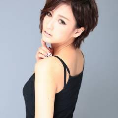 大人女子 黒髪 アッシュ 外国人風 ヘアスタイルや髪型の写真・画像