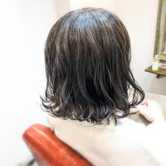 ボブ 外ハネボブ ナチュラル 寒色 ヘアスタイルや髪型の写真・画像