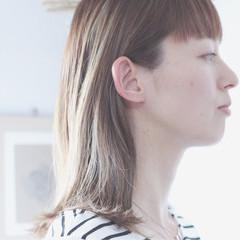 グレー グレージュ 大人ハイライト コントラストハイライト ヘアスタイルや髪型の写真・画像