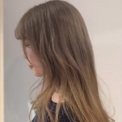 ブリーチ フェミニン ミルクティー グラデーションカラー ヘアスタイルや髪型の写真・画像
