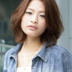 ミディアム ストリート 卵型 丸顔 ヘアスタイルや髪型の写真・画像