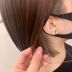 ショートボブ インナーカラー ナチュラル ベージュ ヘアスタイルや髪型の写真・画像