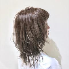 ミディアム ハイライト ウェーブ グラデーションカラー ヘアスタイルや髪型の写真・画像