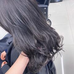 春 フェミニン ラベンダーアッシュ ロング ヘアスタイルや髪型の写真・画像