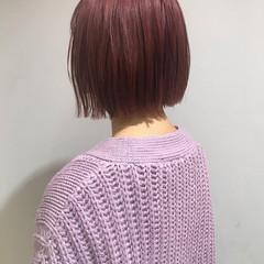 ラベンダーピンク ボブ 切りっぱなしボブ ピンクアッシュ ヘアスタイルや髪型の写真・画像