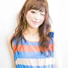 大人かわいい 外国人風 かわいい ワイドバング ヘアスタイルや髪型の写真・画像