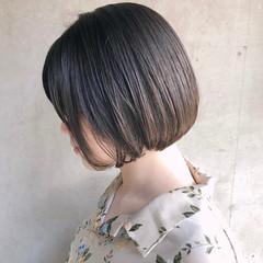 切りっぱなしボブ ナチュラル オフィス ボブ ヘアスタイルや髪型の写真・画像