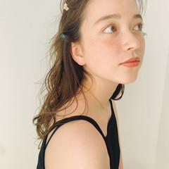 ヘアアレンジ セミロング ふわふわヘアアレンジ セルフヘアアレンジ ヘアスタイルや髪型の写真・画像