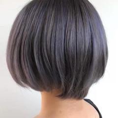 ショート ダークグレー アッシュグレー 透明感カラー ヘアスタイルや髪型の写真・画像