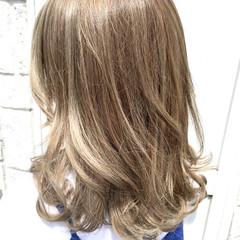 ストリート ゆるふわ セミロング ハイライト ヘアスタイルや髪型の写真・画像