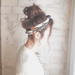 お団子 ヘアアクセ ロング 簡単ヘアアレンジ ヘアスタイルや髪型の写真・画像