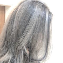 グラデーションカラー バレイヤージュ グレージュ ハイライト ヘアスタイルや髪型の写真・画像