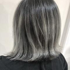 フェミニン 外国人風 ホワイト ミディアム ヘアスタイルや髪型の写真・画像