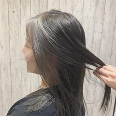 インナーカラー ロング モード インナーカラーグレー ヘアスタイルや髪型の写真・画像