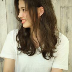 ロング ストリート アッシュグレージュ グレージュ ヘアスタイルや髪型の写真・画像
