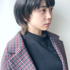 インナーカラー ショート ウルフカット インナーカラーグレージュ ヘアスタイルや髪型の写真・画像
