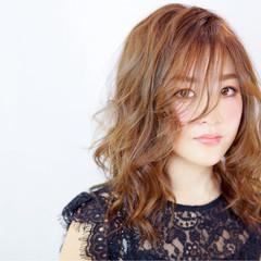 ハイライト 外国人風 アッシュ ロング ヘアスタイルや髪型の写真・画像