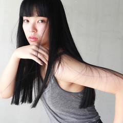 モード ブラントカット 簡単 切りっぱなし ヘアスタイルや髪型の写真・画像