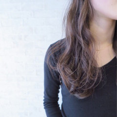 アッシュグレージュ セミロング ナチュラル グレージュ ヘアスタイルや髪型の写真・画像