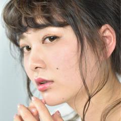 お団子 リラックス ロング ガーリー ヘアスタイルや髪型の写真・画像