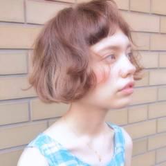 ショートボブ 外国人風 ウェーブ くせ毛風 ヘアスタイルや髪型の写真・画像