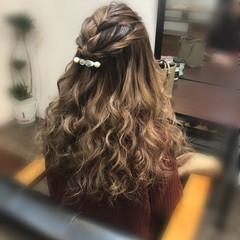 ロング ヘアアレンジ ハーフアップ フェミニン ヘアスタイルや髪型の写真・画像