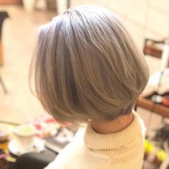 ダブルカラー ボブ ハイトーン ホワイト ヘアスタイルや髪型の写真・画像