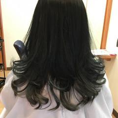 ブルーブラック モード セミロング インナーカラー ヘアスタイルや髪型の写真・画像