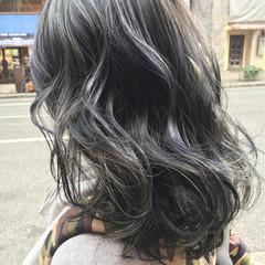 ストリート セミロング グレージュ ヘアスタイルや髪型の写真・画像