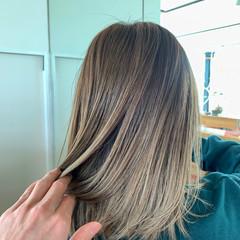 外国人風 ハイライト バレイヤージュ ミディアム ヘアスタイルや髪型の写真・画像