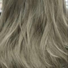 暗髪 グラデーションカラー ウェーブ 外国人風 ヘアスタイルや髪型の写真・画像