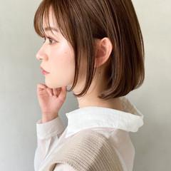 大人ミディアム ウルフカット ミルクティーベージュ 透明感カラー ヘアスタイルや髪型の写真・画像