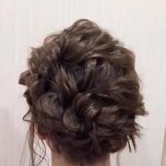 ミディアム フェミニン ふわふわヘアアレンジ ヘアアレンジ ヘアスタイルや髪型の写真・画像