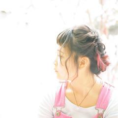レッド ピンク ゆるふわ フェミニン ヘアスタイルや髪型の写真・画像