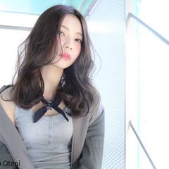 ストリート 外国人風 暗髪 セミロング ヘアスタイルや髪型の写真・画像