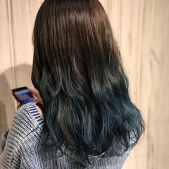 ブルー ブリーチ ロング グラデーションカラー ヘアスタイルや髪型の写真・画像