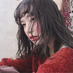 外国人風 アンニュイ 秋 フェミニン ヘアスタイルや髪型の写真・画像