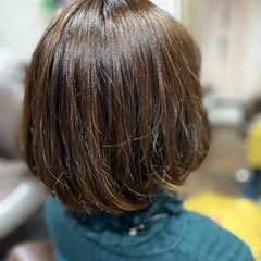 ゆるふわパーマ ボブ ショートボブ 切りっぱなしボブ ヘアスタイルや髪型の写真・画像