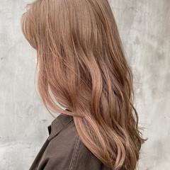 ミディアム アッシュベージュ ベージュ ベージュカラー ヘアスタイルや髪型の写真・画像