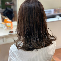 ベージュ 簡単ヘアアレンジ デート イルミナカラー ヘアスタイルや髪型の写真・画像