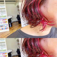 ガーリー ショートボブ インナーカラー ヘアスタイルや髪型の写真・画像