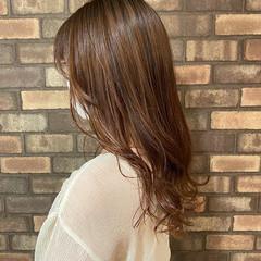 ロング イルミナカラー 透明感 ナチュラル ヘアスタイルや髪型の写真・画像