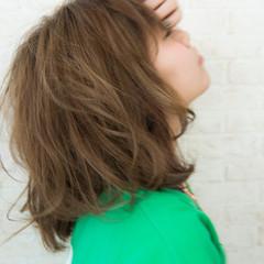 グラデーションカラー ハイトーン ミディアム アッシュ ヘアスタイルや髪型の写真・画像