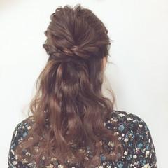 結婚式 フェミニン セミロング ゆるふわ ヘアスタイルや髪型の写真・画像