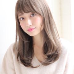 前髪あり セミロング 冬 グレージュ ヘアスタイルや髪型の写真・画像