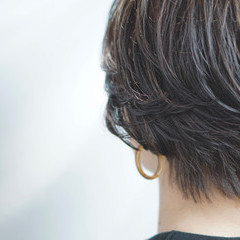 ショート オフィス ハンサムショート フェミニン ヘアスタイルや髪型の写真・画像