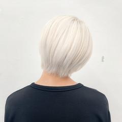 ホワイトカラー ホワイトブリーチ ブリーチカラー ショートヘア ヘアスタイルや髪型の写真・画像