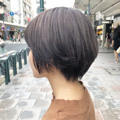 モード ショート ミルクティーベージュ ヌーディーベージュ ヘアスタイルや髪型の写真・画像