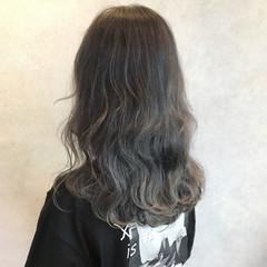 グレージュ ストリート ブリーチ ロング ヘアスタイルや髪型の写真・画像