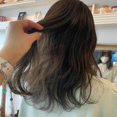 透け感ヘア アッシュグレージュ ナチュラル セミロング ヘアスタイルや髪型の写真・画像